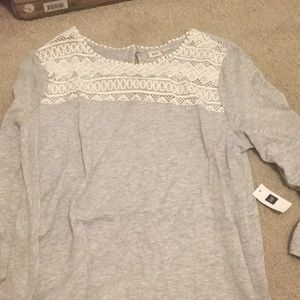 Grey 3/4 sleeves top with white design